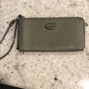 Coach zip wallet green
